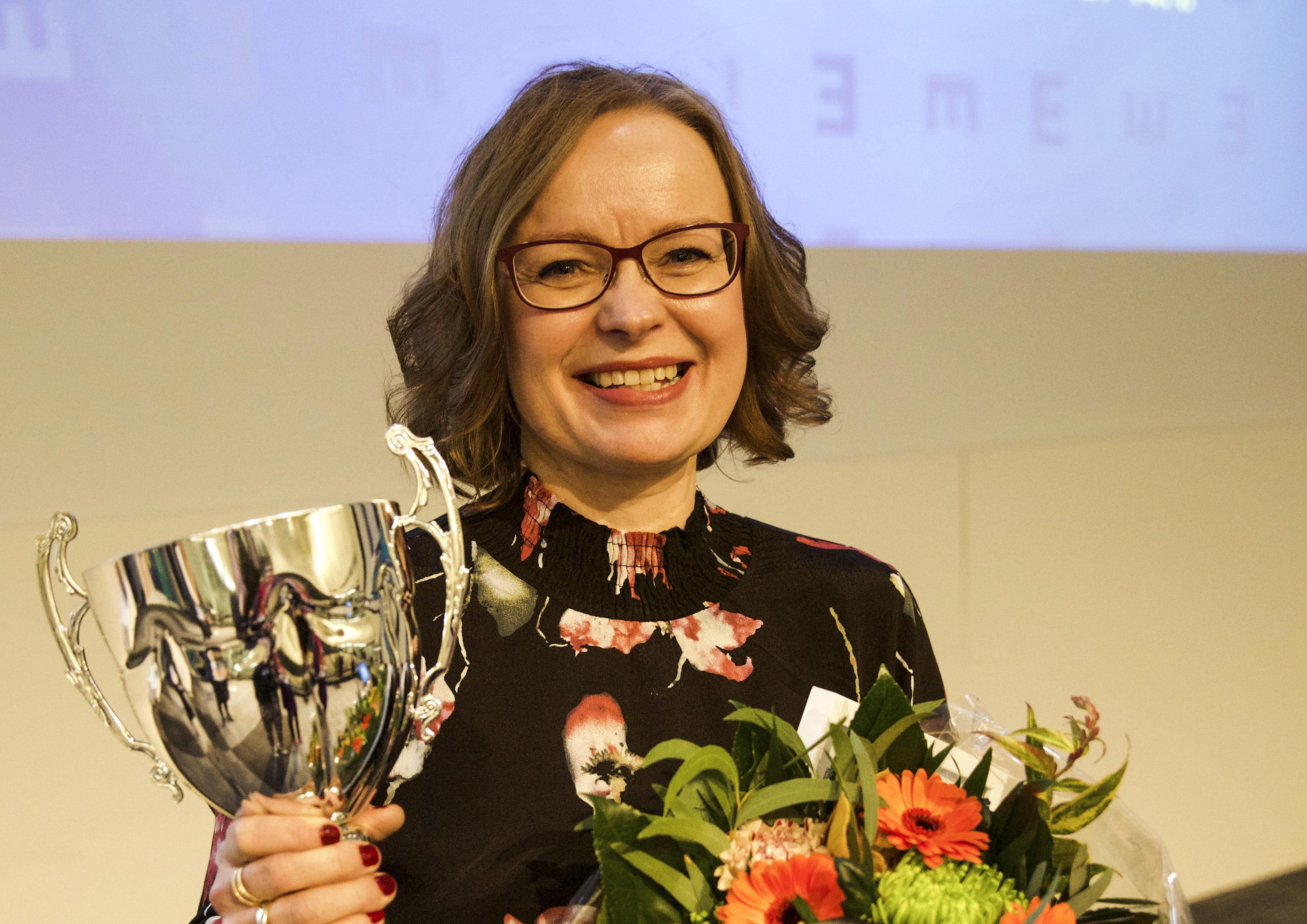 Toimialapalkinnot jaettiin  Vuoden Optikko 2017 – Heli Karvonen 305393e8c5