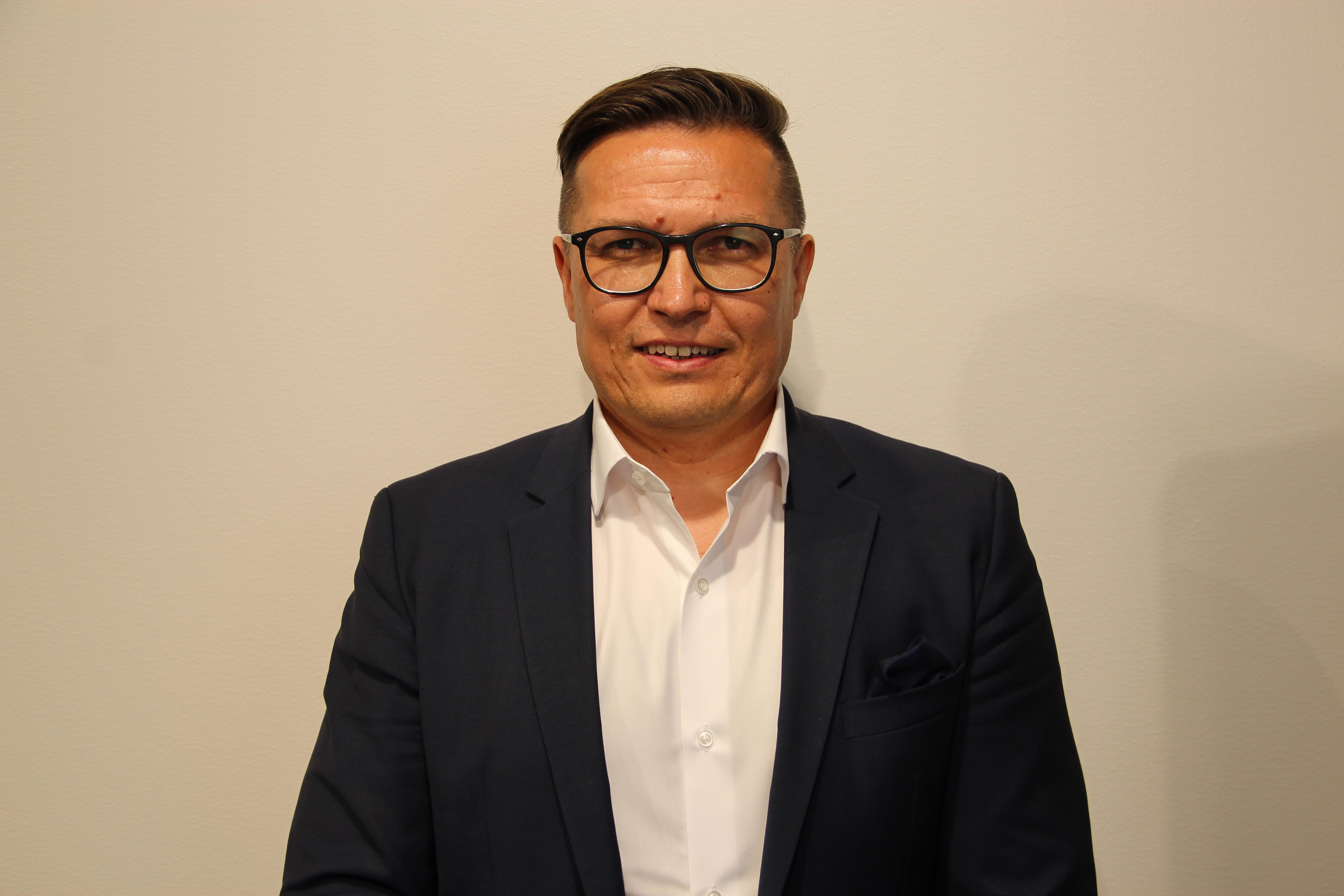 Instru Optiikalle uusi toimitusjohtaja – Pasi Anttila tuntee  kuluttajabrändit 618cb0a967